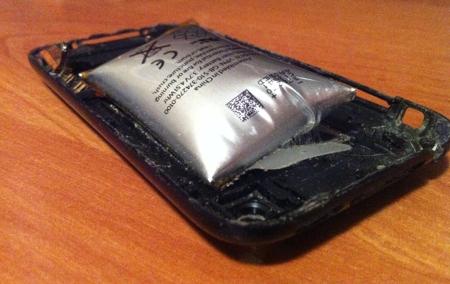 Почему вздулась батарея на планшете?