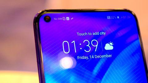 Huawei Honor View 20 фронтальная камера