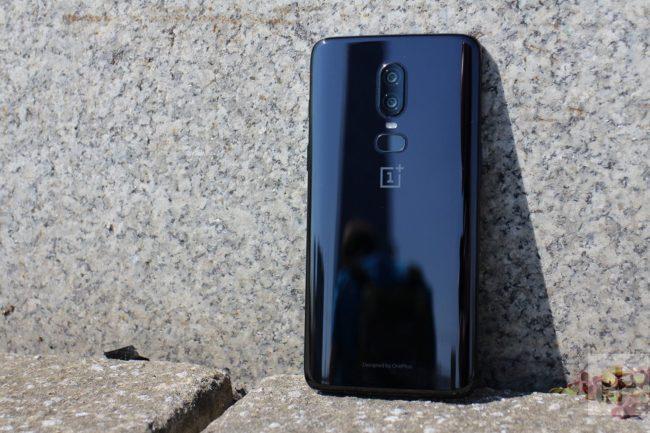 OnePlus 6 вид сзади