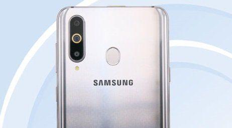 Samsung Galaxy A8S камера