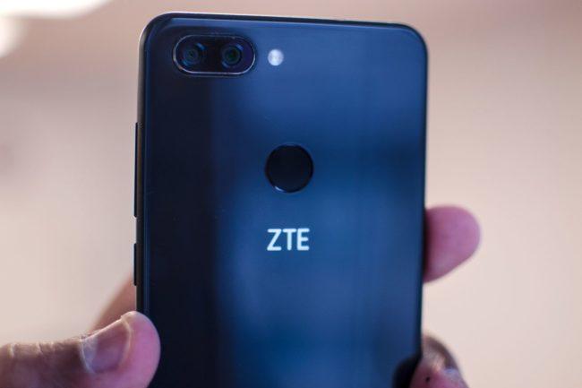 ZTE Blade V9 камера