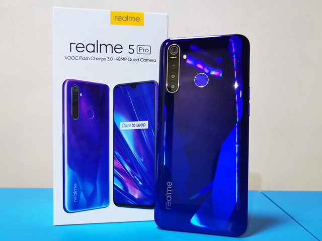 телефон Realme 5