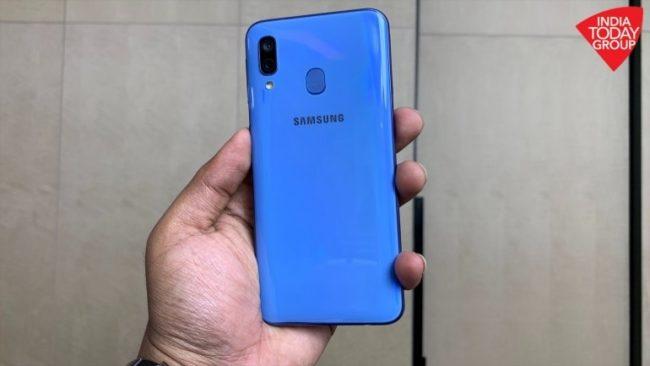 телефон Samsung Galaxy A40