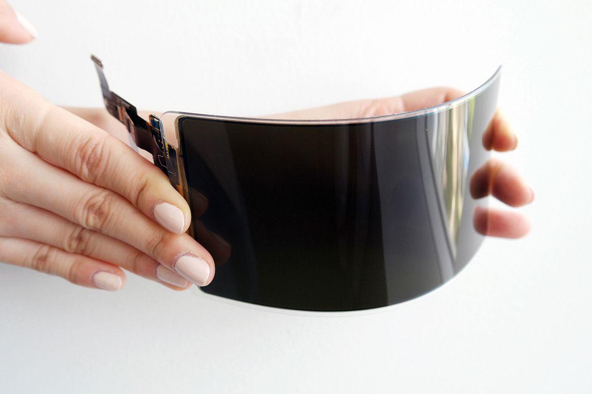 Samsung показали небьющийся OLED-экран