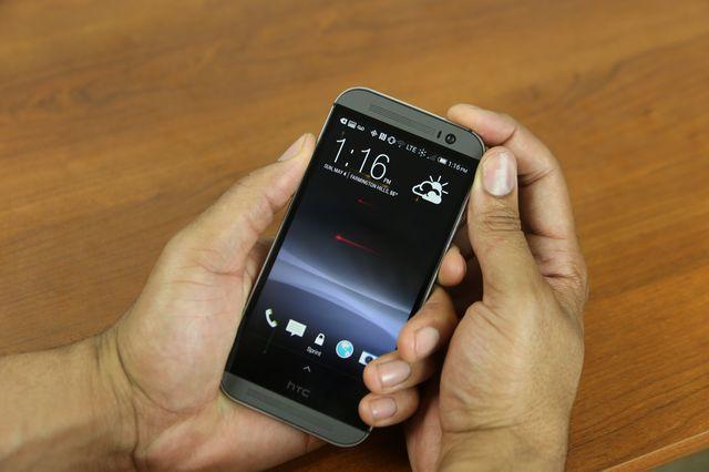 Почему телефон постоянно сам перезагружается
