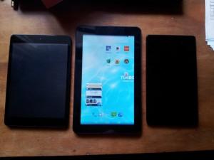 Turbopad 911 - сравнение с Nexus 7 (справа) и Turbopad 704 (слева)